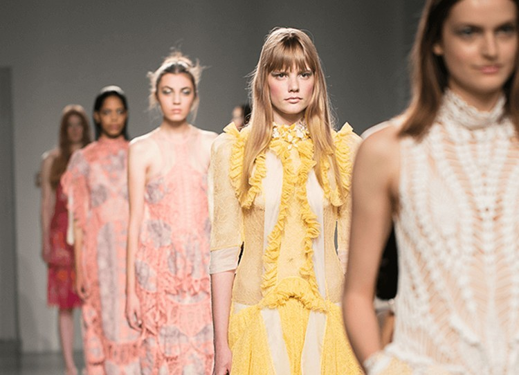 LONDRA : a giugno la prima fashion week interamente digitale
